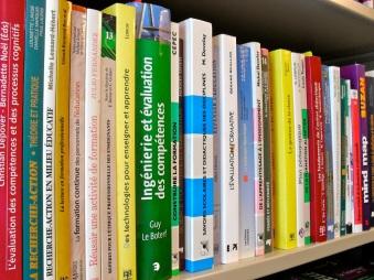 Bibliothèque de livres HB